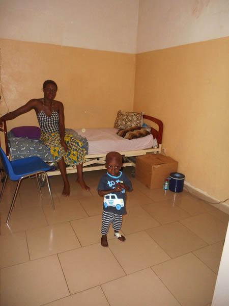 l'agrandissement de l'unité de soins de Lomé