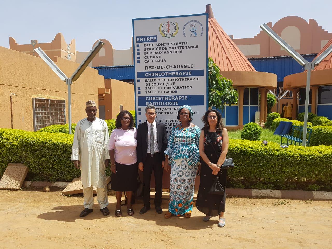 Mission du Pr Mhamed Harif et du Pr Laila Hessissen alors Présidente de la SIOP Africa