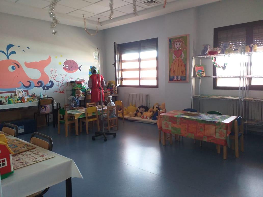 la salle de jeu du service d'oncologie pédiatrique à Marrakech